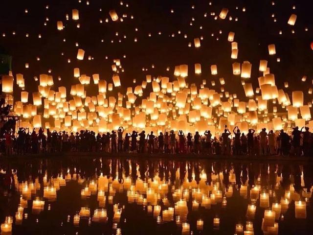 タイ・チェンマイのコムローイ祭り 2019年11月開催!ツアーやチケット情報など